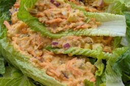 Vegan chickpea chicken salad